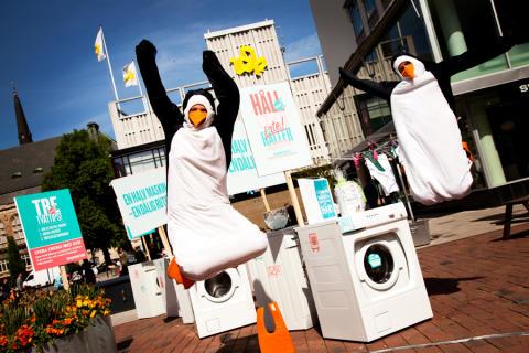 Tvättmaskinerna demonstrerar