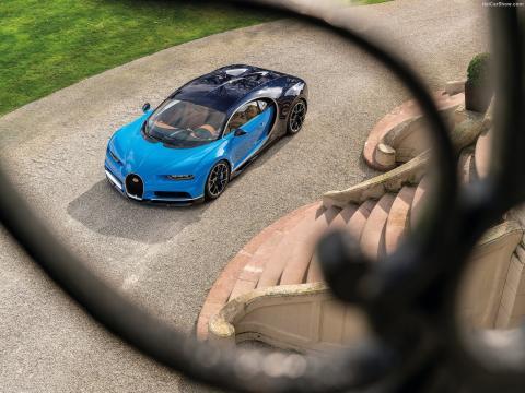 Den 1.500 hk stærke Bugatti Chiron kører også med DSG-gearkasse.