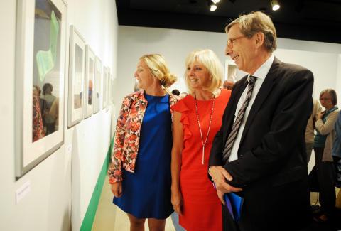Sveriges ambassadör i Tyskland inviger småländsk utställning i Berlin