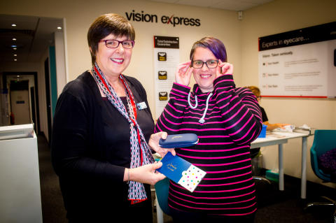 Bude mum is in the frame, after winning national photo contest from Joules and Vision Express