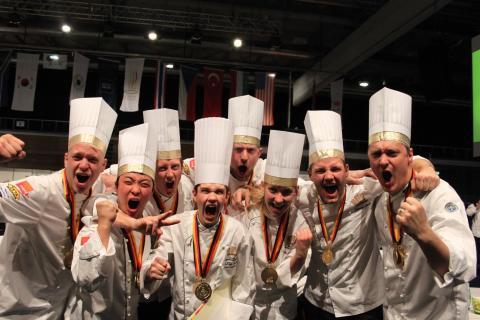 Zeta gratulerar Sveriges juniorkocklandslag till OS-guld