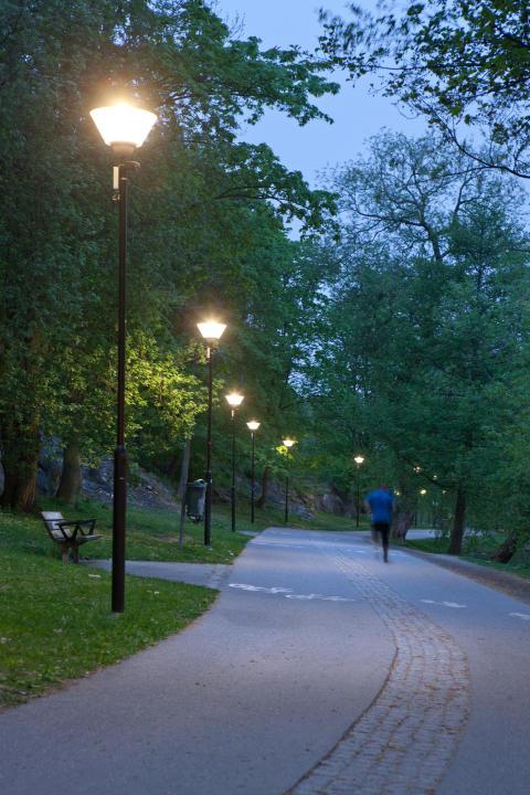 Ny belysning spar el på Kungsholms strand
