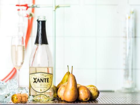 Xanté Sparkling & Pear med päron, liggande