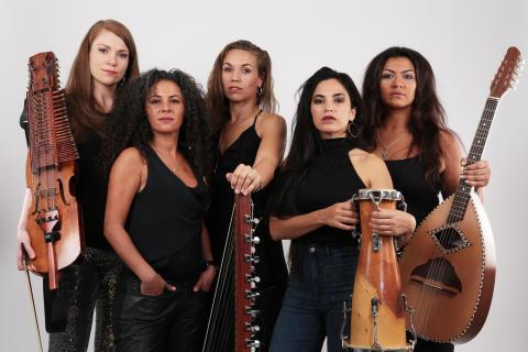 FÖRBJUDNA ORKESTERN - Musikglädje över gränser