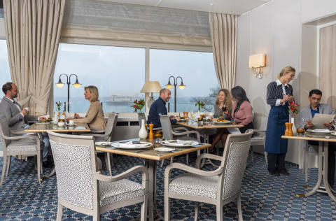 Freshly renovated with a wonderful view: the restaurant at the Maritim Hotel Kiel, Germany.