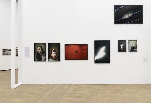Installasjonsfoto: Norsk dokumentarfotografi på Henie Onstad Kunstsenter