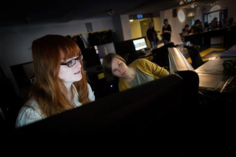 PlaygroundSquad Falun första utbildningen i världen med utvecklingsenheter för Playstation 4.