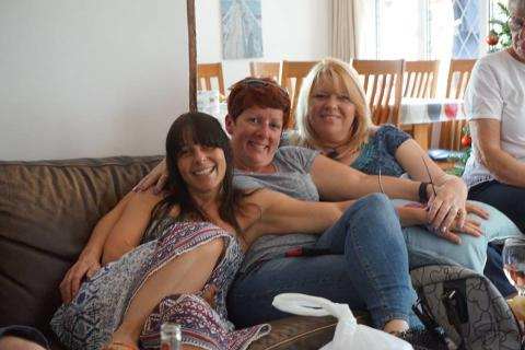 Sisters tackle Resolution Run for the Stroke Association