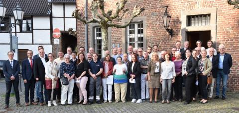 Spendenvergabe der Sparkassenstiftung im Rhein-Kreis Neuss
