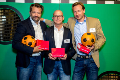 Sebastian Ludwig, Sascha Braun und Ralf Zirbes feiern den verdienten Sieg beim CeeClub-Torwandschießen