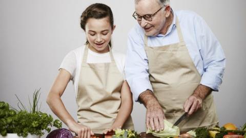 Ny madskole for bedsteforældre og børnebørn