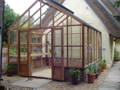 Classiskt växthus från Gabriel Ash