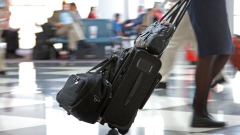 Prisundersökning: Billigare att resa med buss eller tåg än med flyg