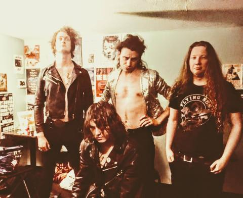 """THE CAVEMEN: London-Kiwi Cretins Drop Scorching Video Bomb From New 7"""" Single - """"Burn Out For Love"""""""