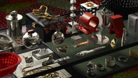 accessoarer, burkar och smycken