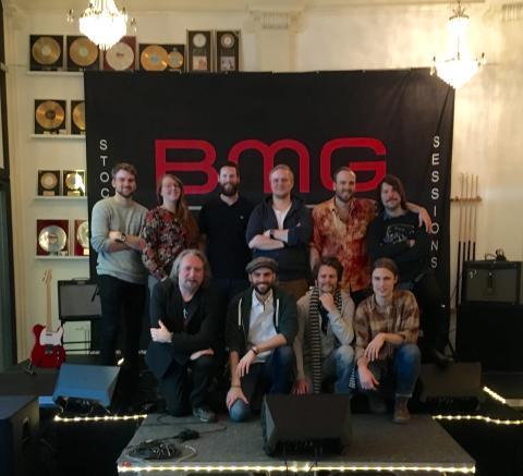 The Bland skriver förlags- och skivkontrakt med BMG