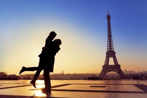 Paris lockar flest svenskar på Alla Hjärtans Dag