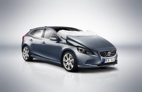 The all-new Volvo V40 – Pedestrian Airbag Technology