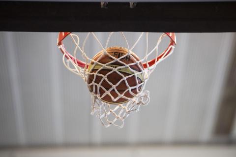 FIBA kommer att tillåta spel med huvudbeklädnad