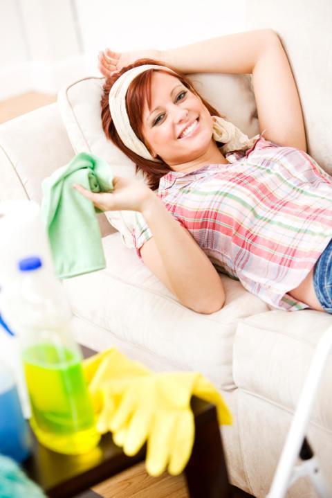 Har påskegjestene reist? Står du igjen med all jobben med å rydde og vaske? Her er rengjøringstipsene!
