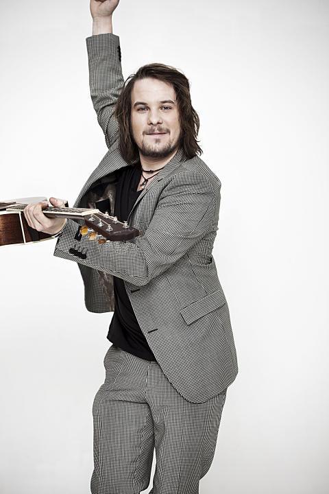 Calle Kristiansson - Den starka Idoltvåan släpper album 23 december