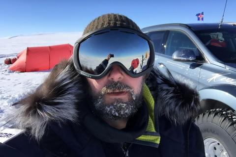 Shackleton 24