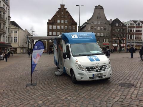 Beratungsmobil der Unabhängigen Patientenberatung kommt am 7. Mai nach Flensburg.