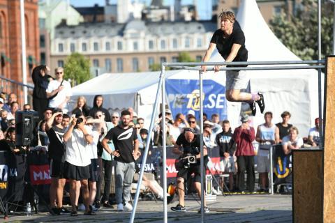 Svensk mästare i parkour 2019 är Oscar Karlsson
