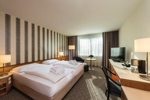 Maritim Hotel Stuttgart superior room