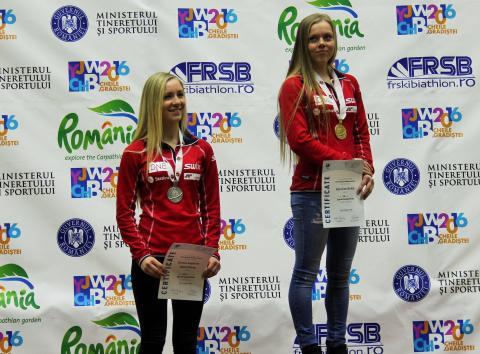 Karoline Erdal og Emilie Kalkenberg, medaljeseremoni, sprint kvinner ungdom, junior-VM