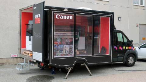 Mobilt showroom besöker 25 orter i Sverige när Canon visar vägen med UVGEL