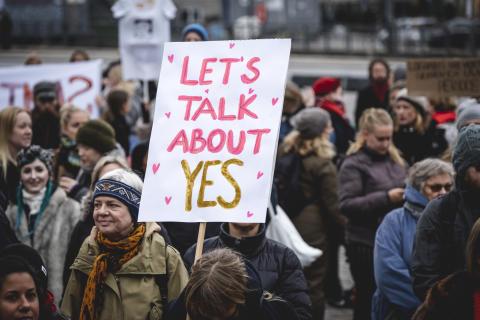 Danmark: Inför en våldtäktslagstiftning baserad på samtycke!