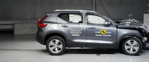 Volvo XC40 frontal offset impact test at Thatcham Research - 2018