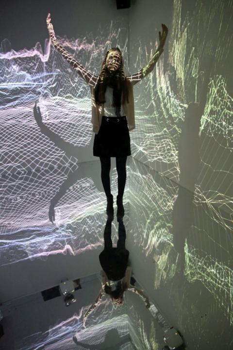 """Die Installation """"THE STRANGER WITHIN"""" des Wisp Kollektivs aus Leipzig ist Teil der neuen Jahresausstellung """"Illusion - Moving Space"""" im Kunstkraftwerk"""