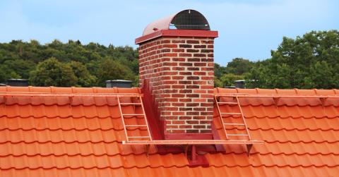 Tegelröd kulör ny färg i taksäkerhetssortimentet