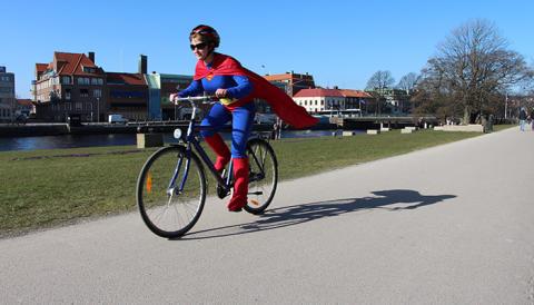 Stor superhjältekampanj ska få fler att cykla