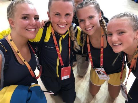 Svenskt VM-guld, svenskt rekord och medaljregn över hopprepsdamerna