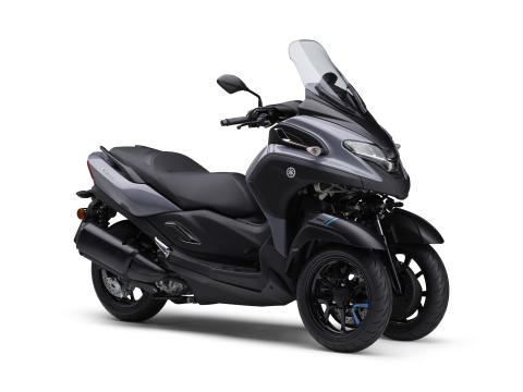 """Yamaha Motor Exhibits City Commuter TRICITY300 at EICMA - """"To someday create motorcycles that lean, but do not fall"""" - 4th model with LMW technology -"""