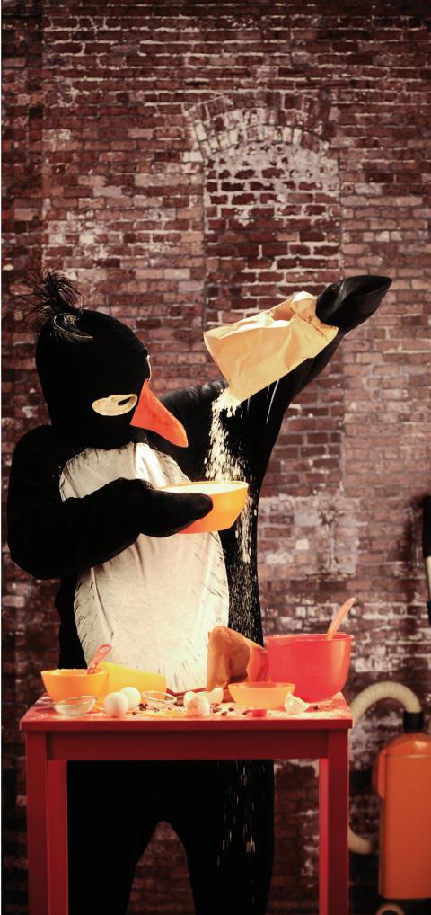 Pressmeddelande från Folkteatern Göteborg Pingviner kan inte baka ostkaka Av Ulrich Hub, i regi av Lars Norén
