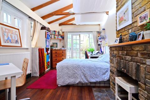 Property of the Week - Bow, Sales:  spacious and delightful house in Bow.