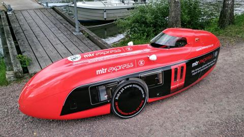 MTR Express intar Göteborgs gator