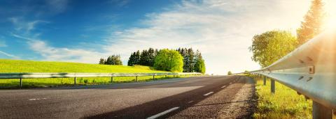 Hurtigruta Carglass® gir 5 enkle tips til vårklar bil!