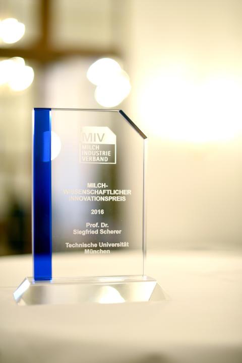 Milch-Wissenschaftlicher Innovationspreis 2016 des Milchindustrie-Verbandes e. V.