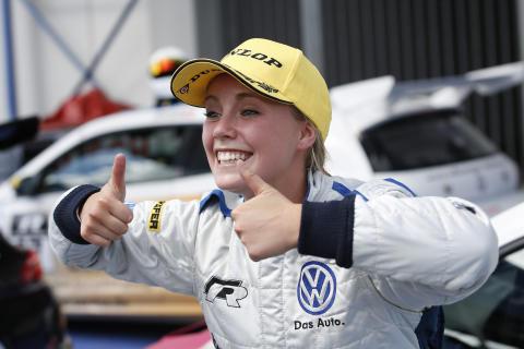 Mikaela Åhlin-Kottulinsky tävlar tillsammans med svenskarna Victor Bouveng och Simon Larsson i Scirocco R-Cup under 2014.