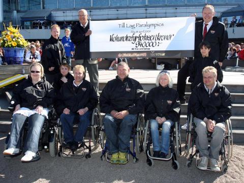 Bild Olympiatravet Paralympier med check
