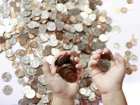 Average UK Household Savings Fall