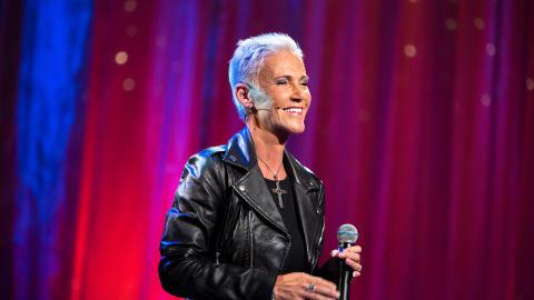 Sveriges artistelit hyllar Marie Fredriksson på Stora Teatern