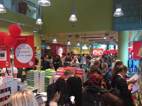 Student + bokhandel = sant