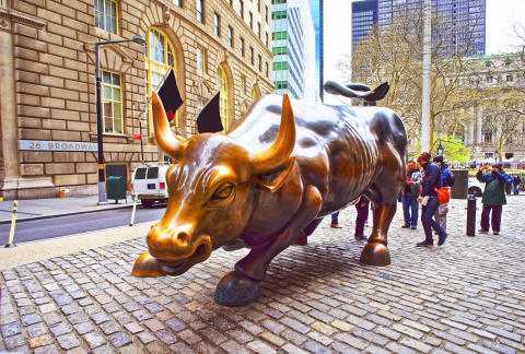Charging Bull at Wall Street in Financial District_GettyImages-621235938