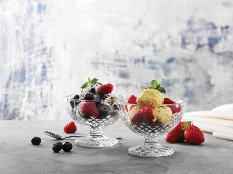 Krystalklar dessertskål
